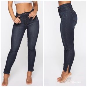 NWT🏷Fashion Nova Janet Stretch High Waist Jeans 0